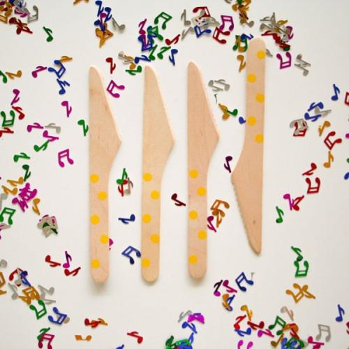 abcJoy κίτρινα πουά ξύλινα μαχαιράκια  (12-pack)